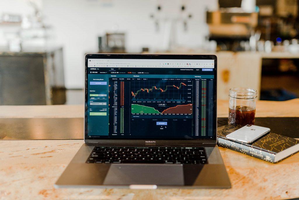 stock-exchange-computer-screen